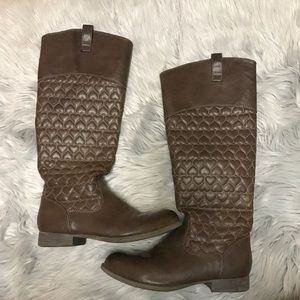 Betsey Johnson brown quilted heart boots
